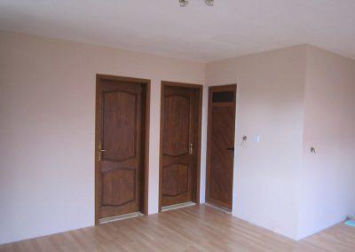 10 Дървени интериорни врати на къща в гр сливен 51 м2
