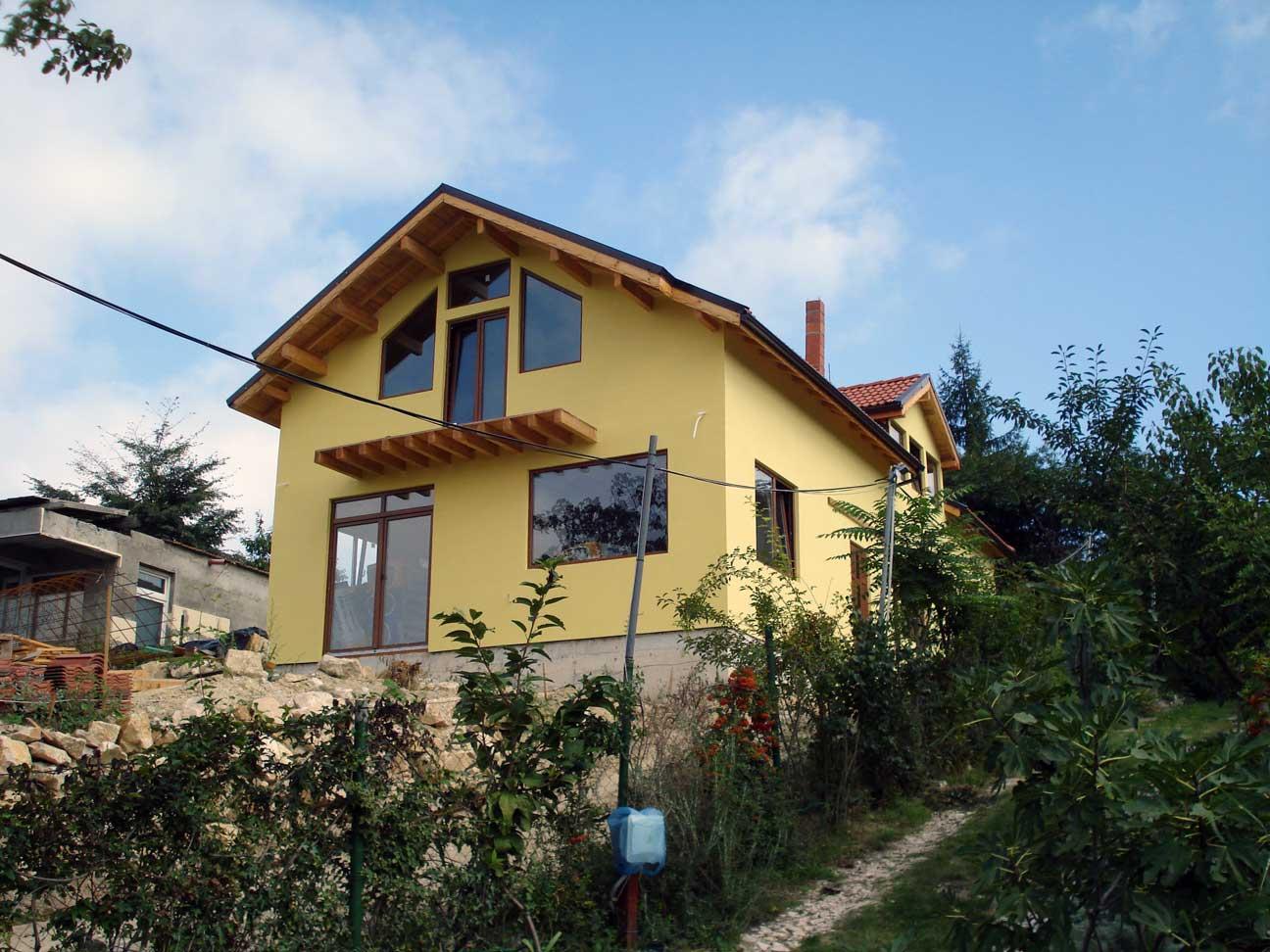2 Изглед странично на завършена сглобяема къща в гр Варна 231 м2