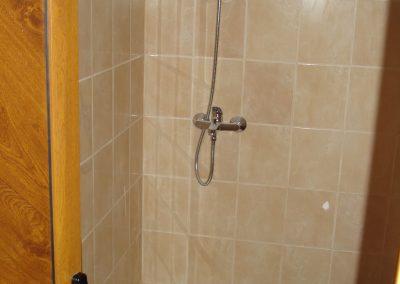 8 завършена баня на къща в гр Сливен с РЗП 51 м2